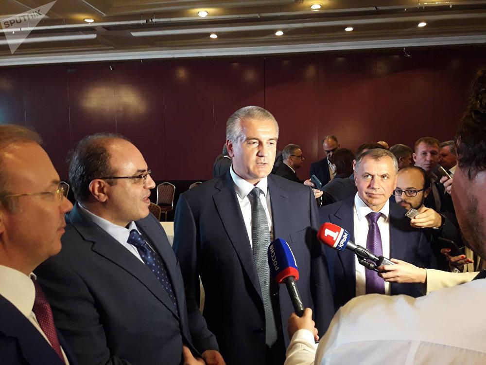 Visite à Damas d'une délégation criméenne, dirigée par le chef de cette région russe Sergueï Aksionov