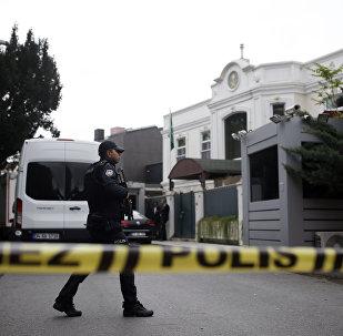 La police turque près de la résidence du consul général d'Arabie saoudite à Istanbul