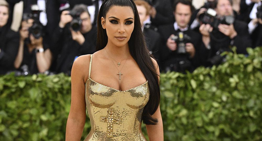 Le secret des tenues de Kim Kardashian révélé (photos)