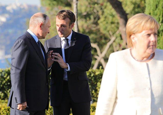 Vladimir Poutine et Emmanuel Macron à Istanbul