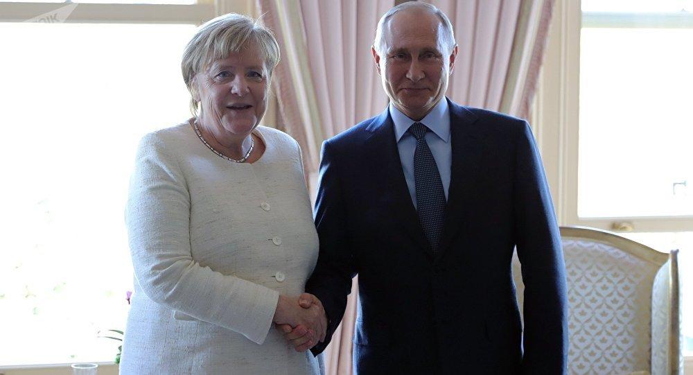 Angela Merkel et Vladimir Poutine à Istanbul