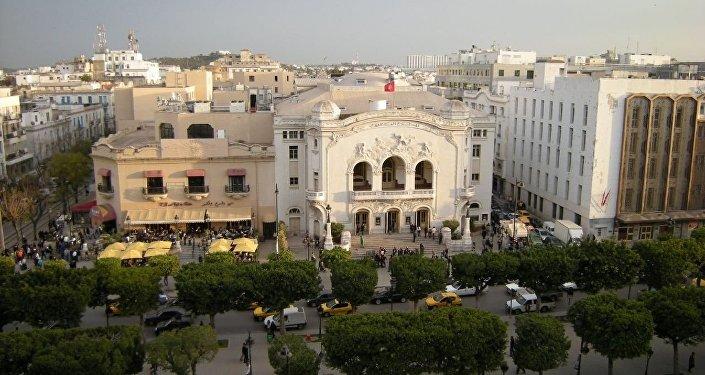 Le Théâtre municipal et le Palmarium sur l'avenue Bourguiba à Tunis