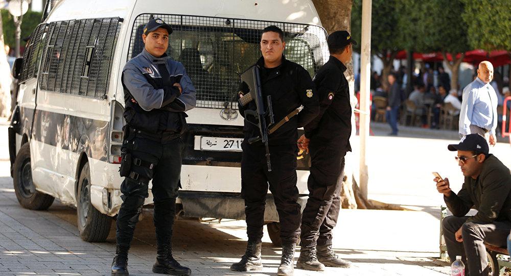 Sur les lieux de l'explosion à Tunis