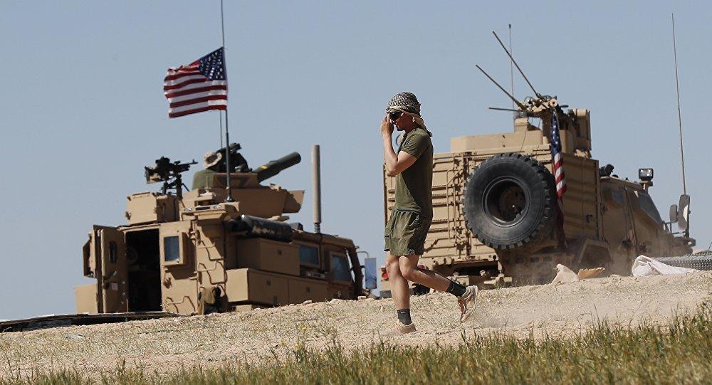 Des soldats US dans Manbij