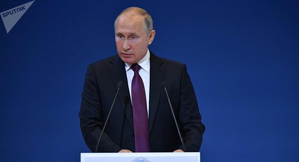 Президент РФ В. Путин принял участие в пленарном заседании VI Всемирного конгресса соотечественников, проживающих за рубежом