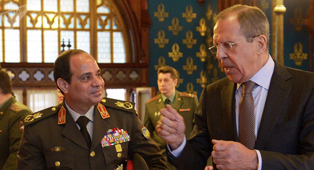Le ministre égyptien de la Défénse Abdel Fattah al-Sissi et le chef de la diplomatie russe Sergueï Lavrov à Moscou