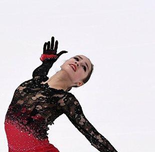 Alina Zagitova interprète son programme libre au Grand Prix d'Helsinki