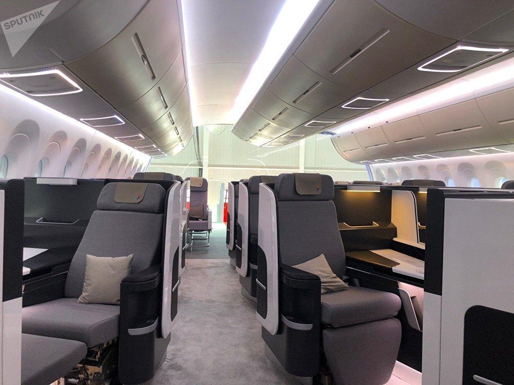 La cabine du CR929