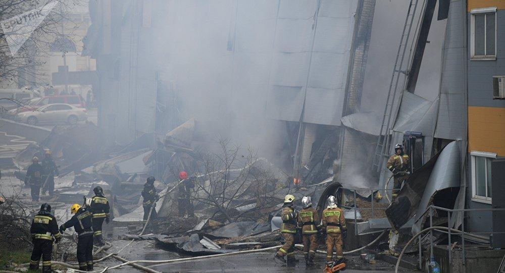 Un violent incendie dans un supermarché du district central de Saint-Pétersbourg