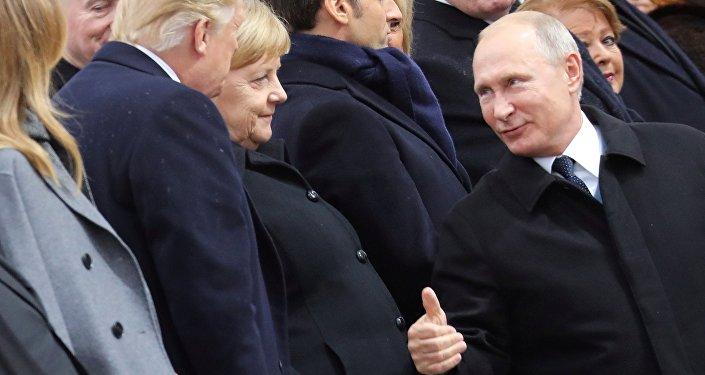 À peine sorti de France, Donald Trump se moque d'Emmanuel Macron — Twitter