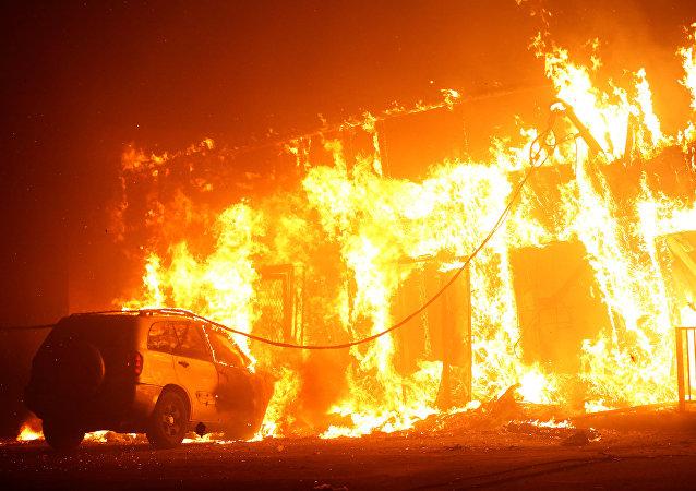 La ville de Paradise en flammes