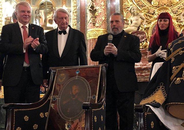 Des reliques qui appartenaient à l'empereur Alexandre II ont été restituées à Alexeï Mechkov