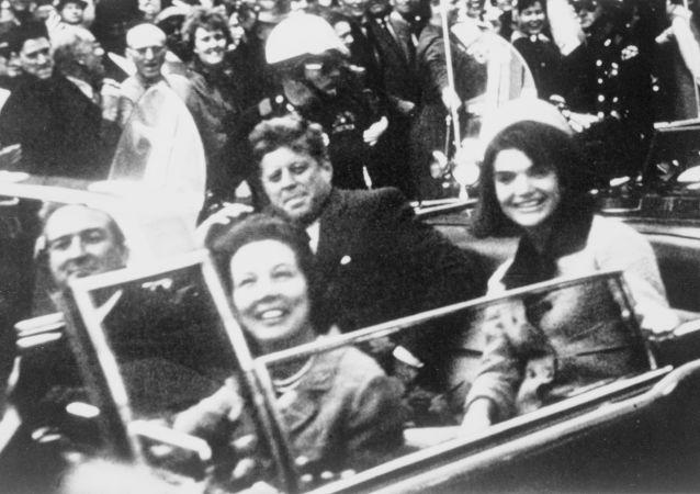 Coups de feu à Dallas: il y a 55 ans était assassiné John Kennedy