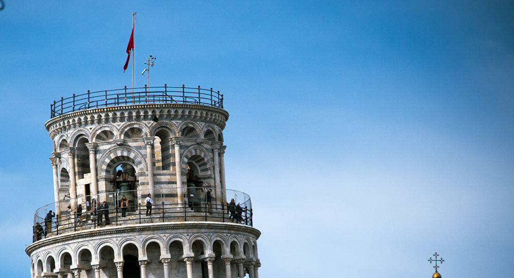 La tour de Pise s'est redressée — Toscane