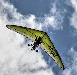 Un deltaplane