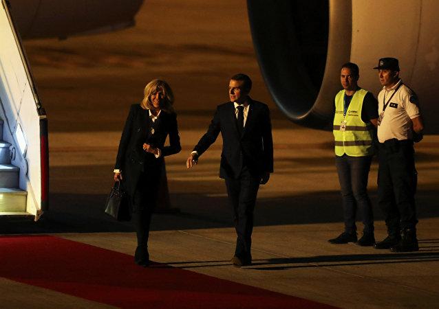 Emmanuel et Brigitte Macron arrivent à Buenos Aires