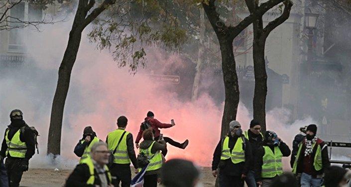 Un rassemblement des Gilets jaunes le 1er décembre à Paris