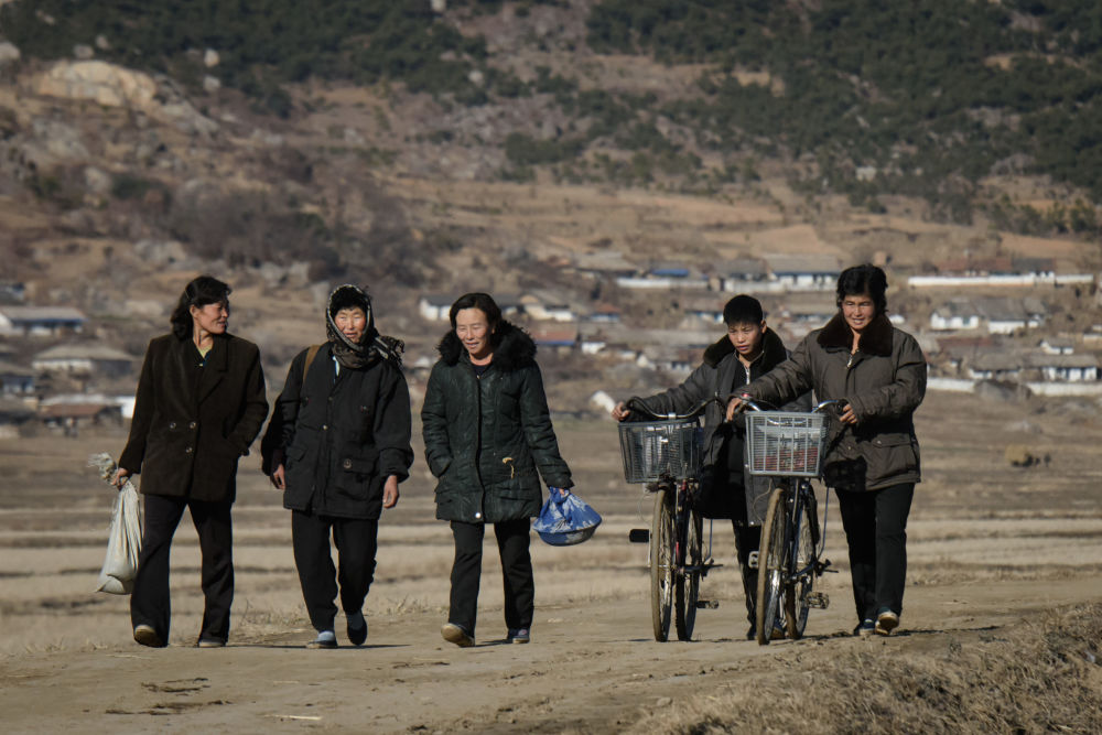 Des habitants de la ville de Sonchon en Corée du Nord.