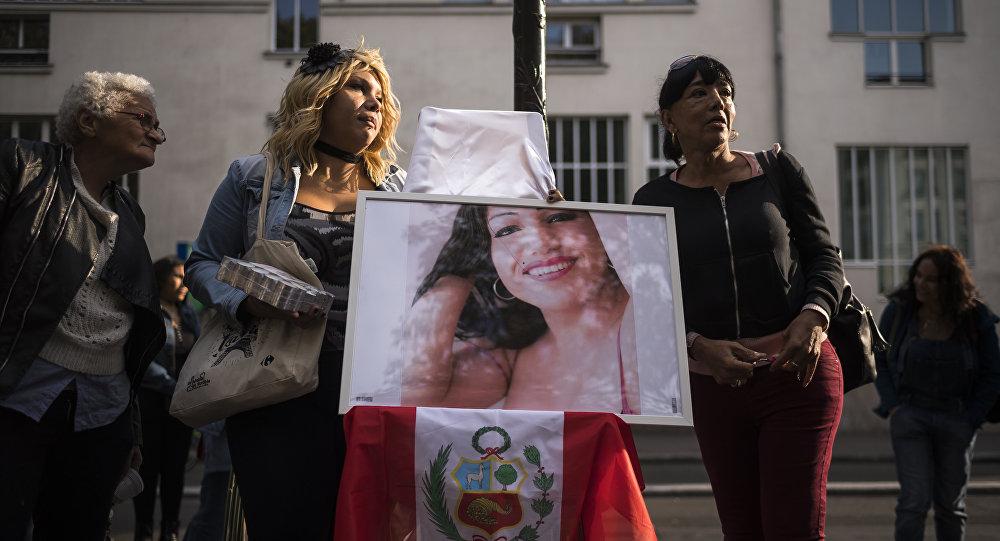 Manifestation à Paris avec une photo de Vanesa Campos