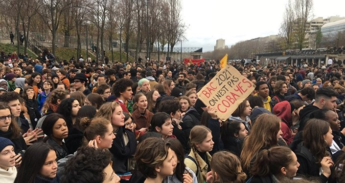 Mobilisation des lycéens contre la réforme du Bac à Paris