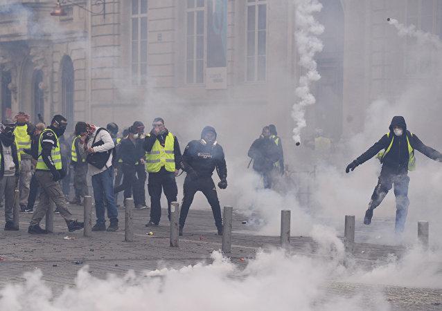 manifestation des Gilets jaunes à Bordeaux