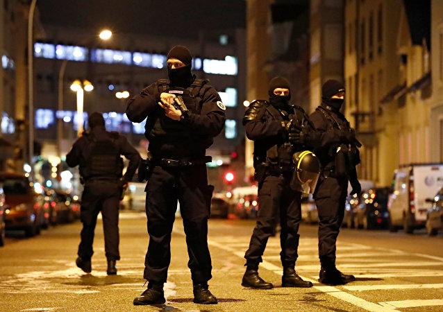 Police de Strasbourg lors d'une opération de recherche de Chérif Chekatt