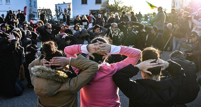 Image d'illustration: action de support aux étudiants de Mantes-la-Jolie tenue le 12 décembre.