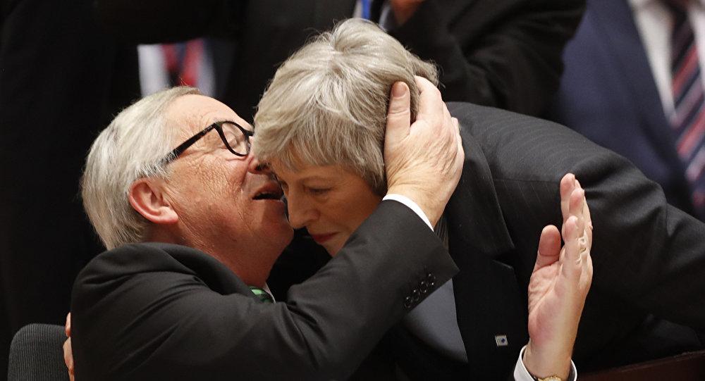 Jean-Claude Juncker et Theresa May