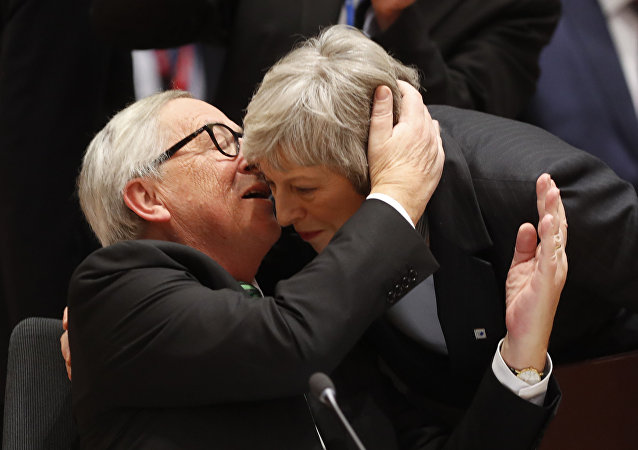 Jean-Claude Juncker et Theresa May