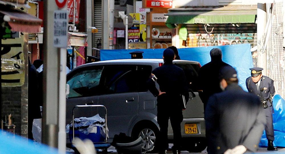 Le site où une voiture a foncé la foule à Tokyo