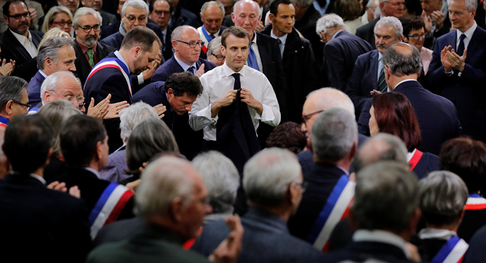 Ce qui attend Emmanuel Macron devant les maires d'Occitanie — Grand débat national