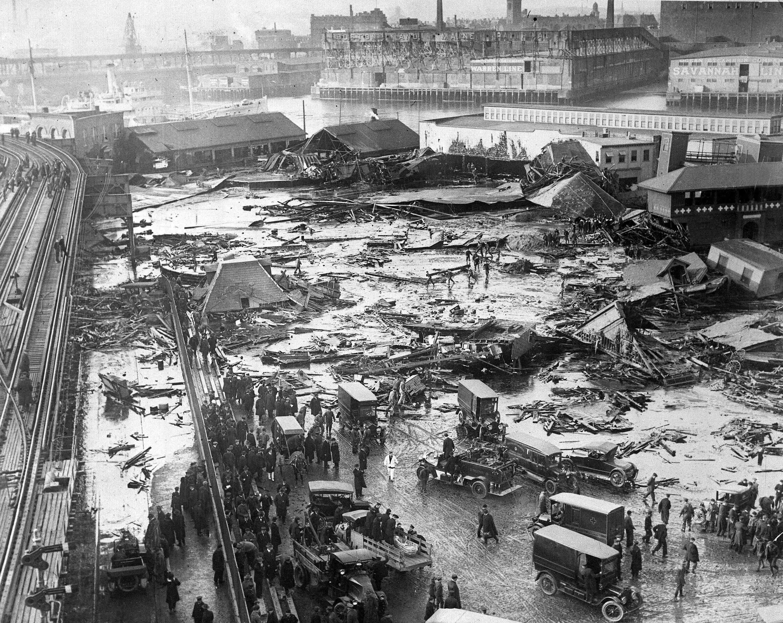 Le panorama de Boston après un raz-de-marée de mélasse 1919