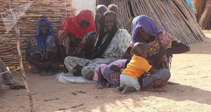 Une famille au camp des déplacés Igawa Mémé, à l'Extrême-Nord du Cameroun