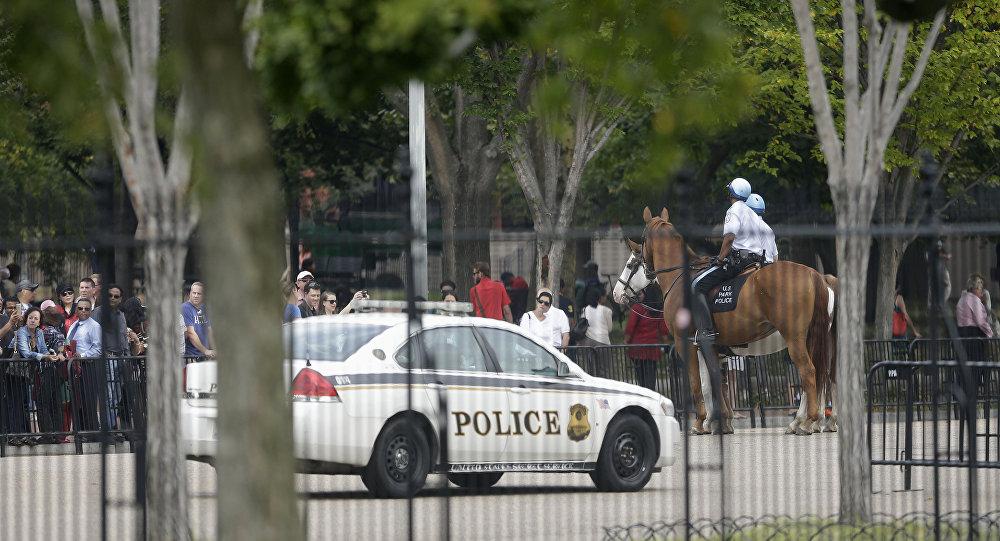 Un véhicule de l'US Secret Service  non loin de la Maison-Blanche