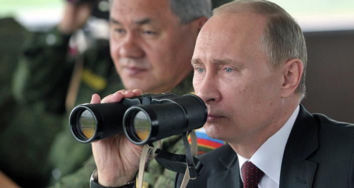 Vladimir Poutine et Sergueï Choïgou