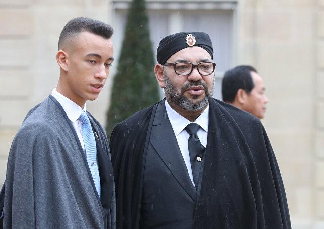 Le prince Moulay El Hassan et le roi Mohammed VI à l'Élysée, archives