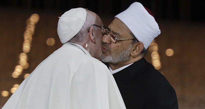 le pape François et le grand imam sunnite de l'institut égyptien al-Azhar, Ahmed al-Tayeb