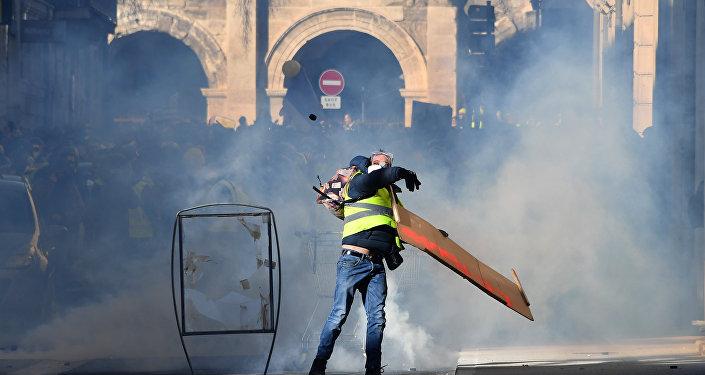 Une manifestations des Gilets jaunes à Nîmes le 12 janviers