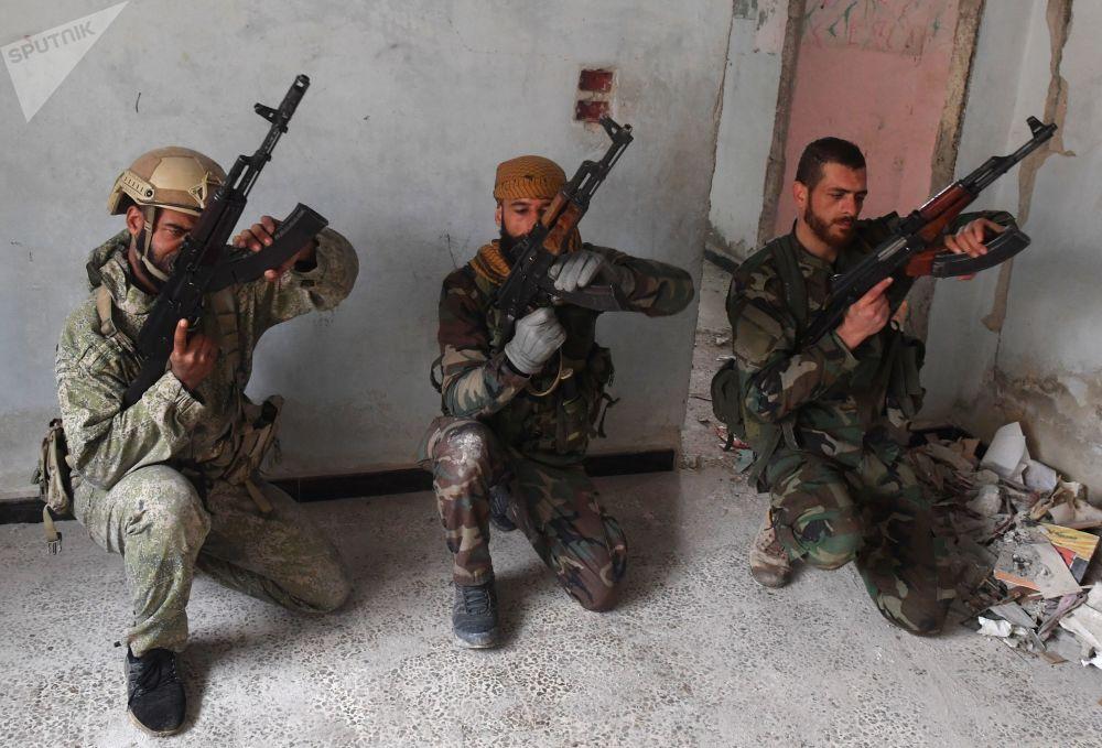 Les militaires syriens formés par les instructeurs russes