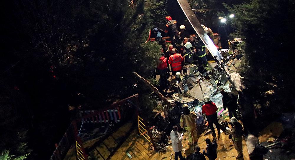 le crash d'un hélicoptère militaire à Istanbul