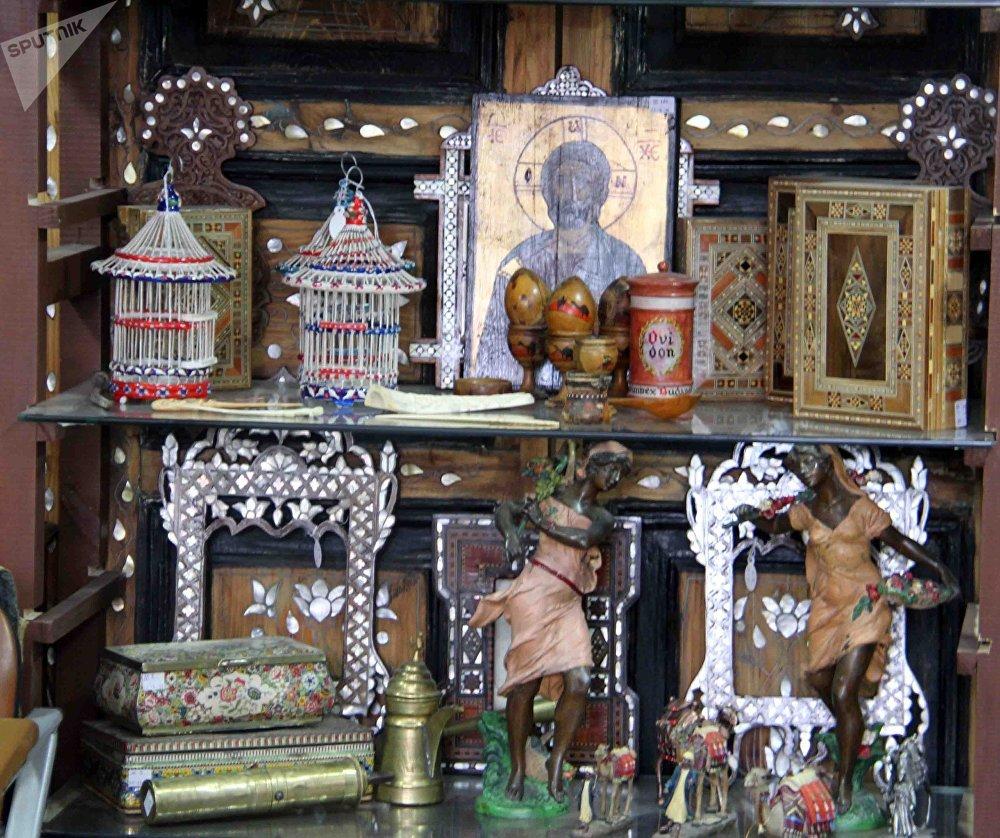 À Damas, la guerre a obligé bien des antiquaires à changer de métier