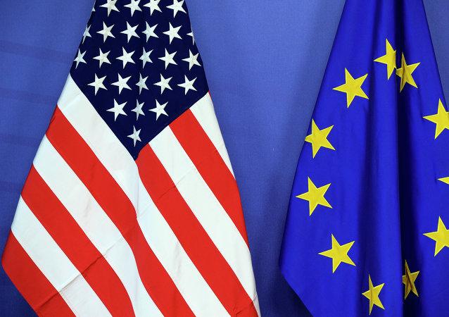Drapeaux des USA et de l'UE