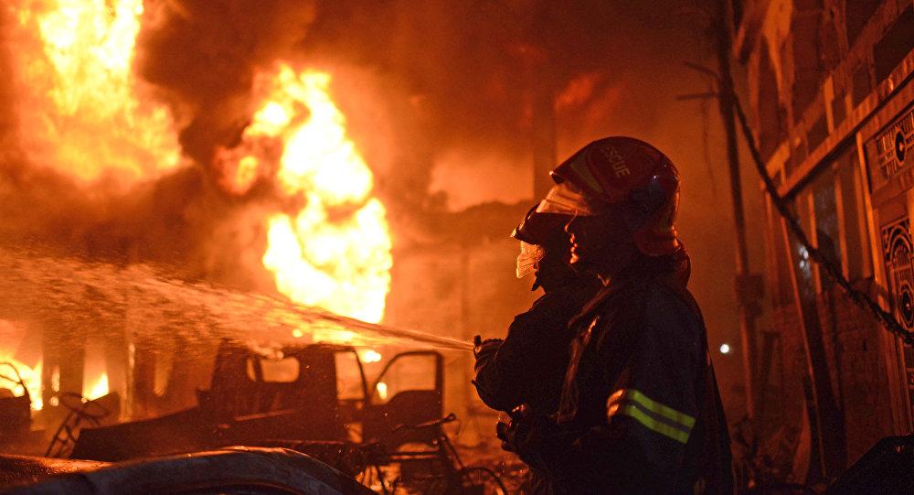 Un gigantesque incendie fait au moins 69 morts à Dacca — Bangladesh