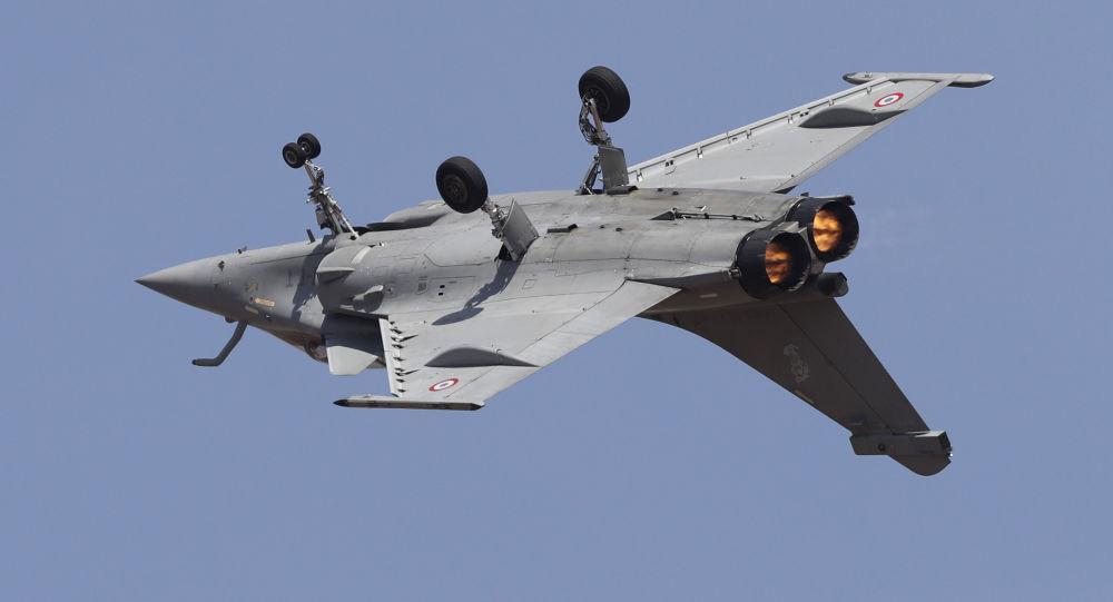 Французский истребитель Rafale на авиашоу Aero India 2019
