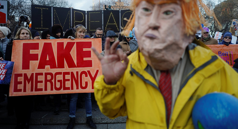 Les démocrates lancent l'offensive parlementaire contre le mur | ÉLODIE CUZIN | États-Unis