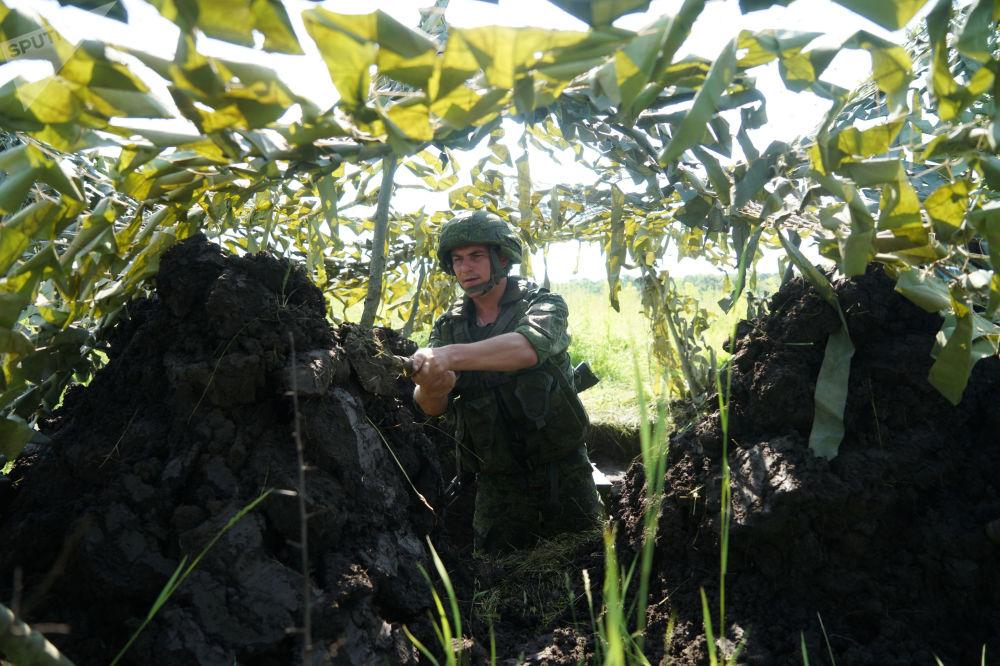 Manœuvres militaires: URSS vs Russie