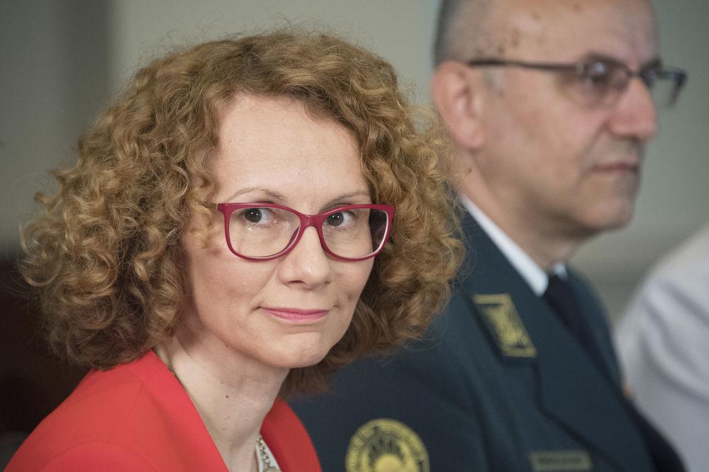 L'armée sous la botte des femmes: les ministres féminins de la Défense