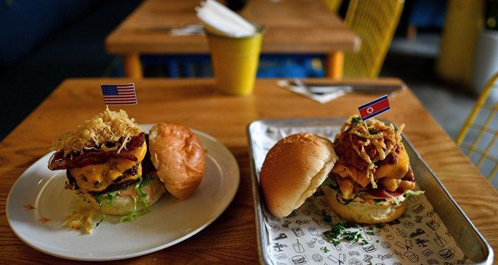 Durty Donald ou Kim Jong-Yum? Burgers spéciaux à l'occasion du sommet Trump-Kim à Hanoï