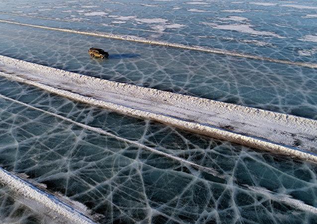 Route de glace: des «Russes intrépides» impressionnent par leur courage