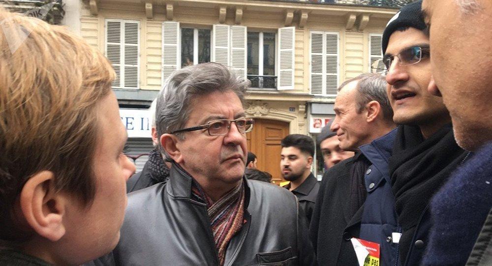 Jean-Luc Mélenchon lors d'une manifestation à Paris